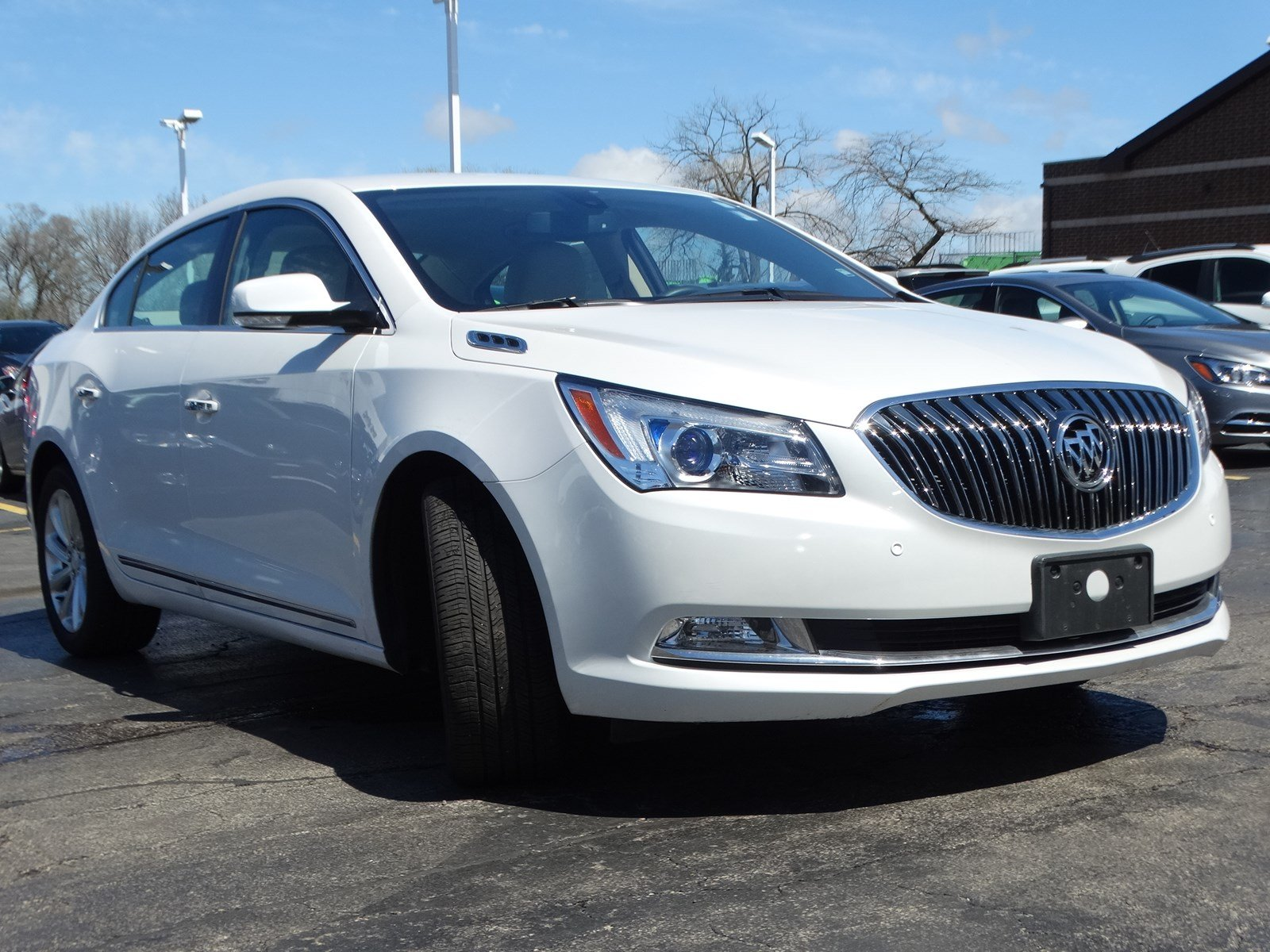 Pre-Owned 2015 Buick LaCrosse Leather
