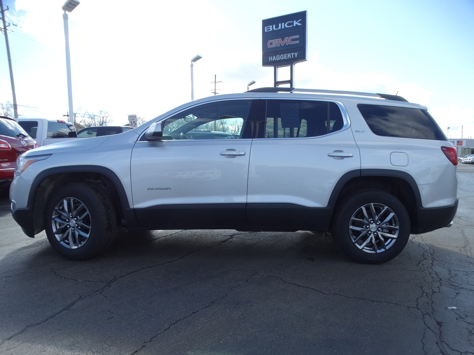 Certified Pre-Owned 2019 GMC Acadia SLT