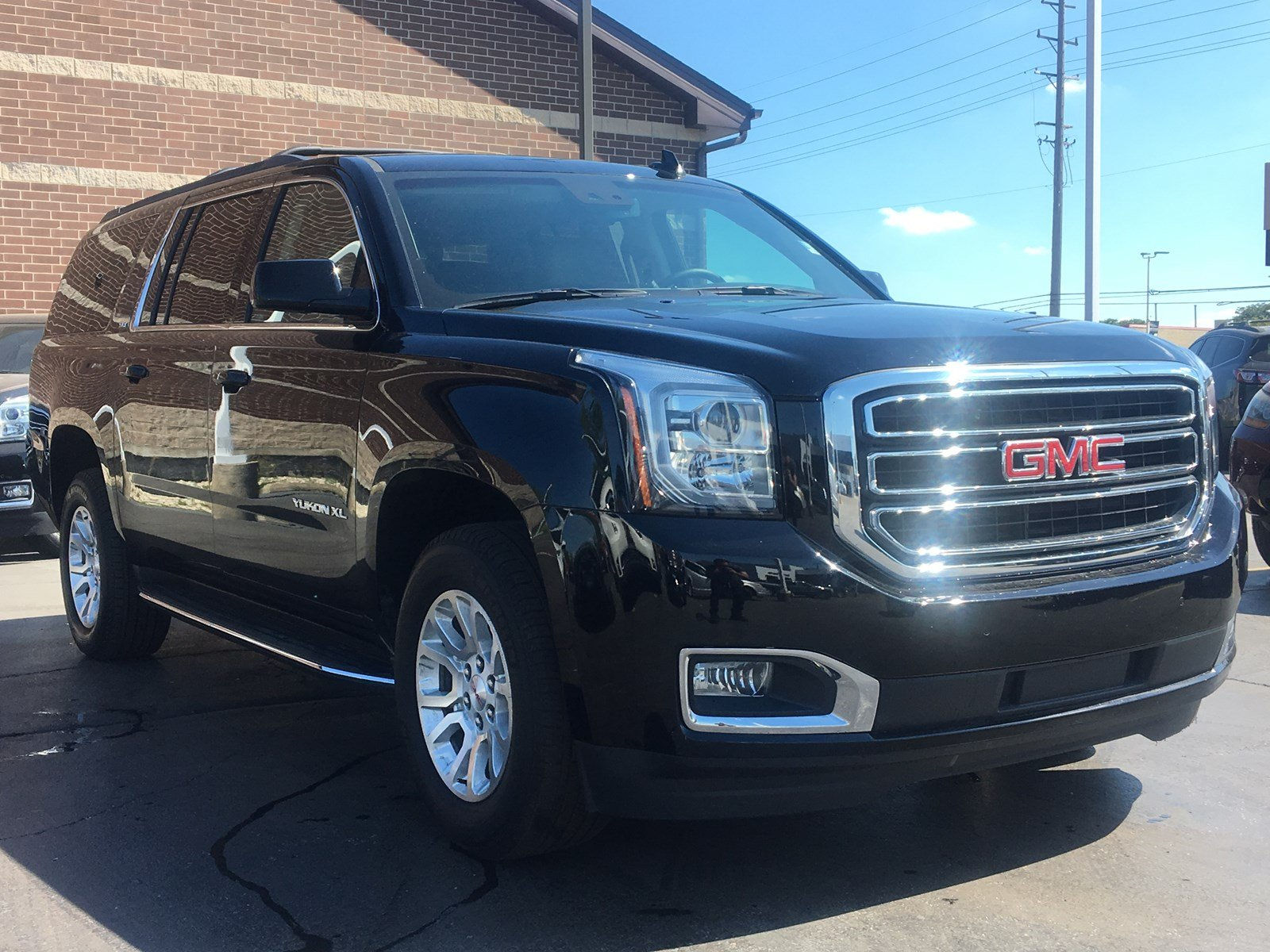Certified Pre-Owned 2018 GMC 4wd Yukon XL Navigation Sunroof SLT