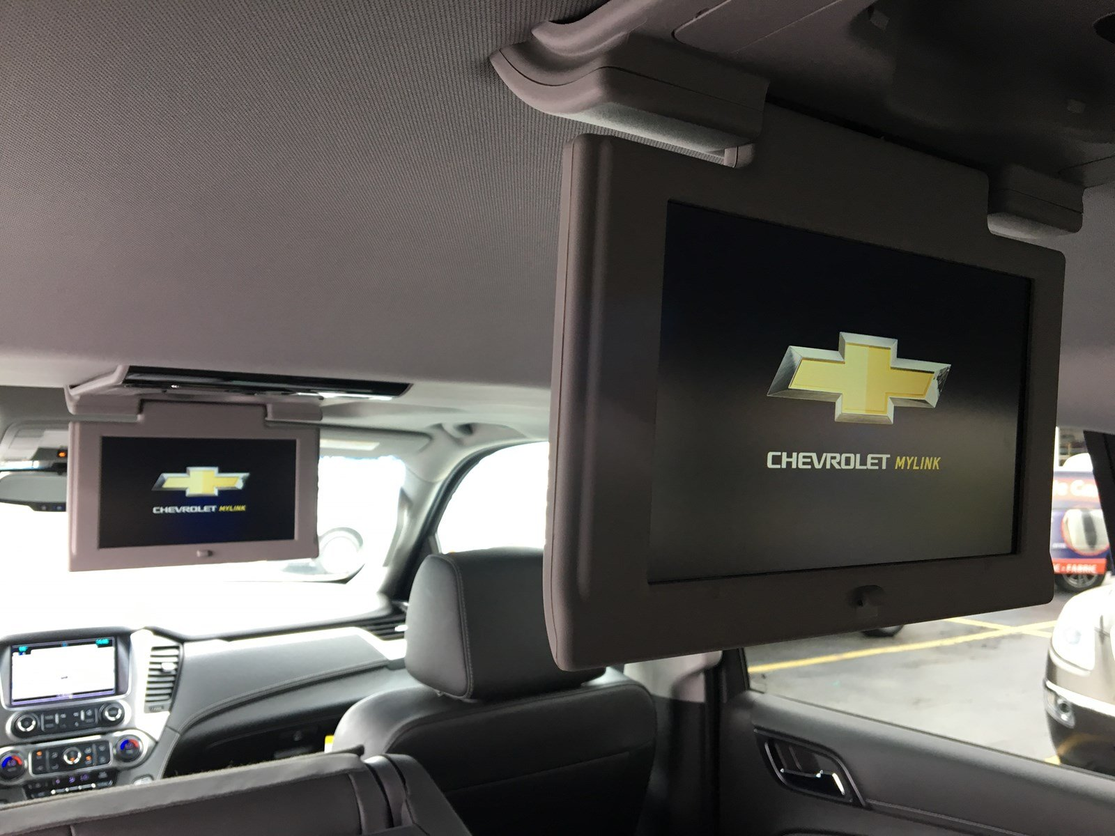 Certified Pre-Owned 2018 Chevrolet Suburban 4wd Premier Navigation Sunroof