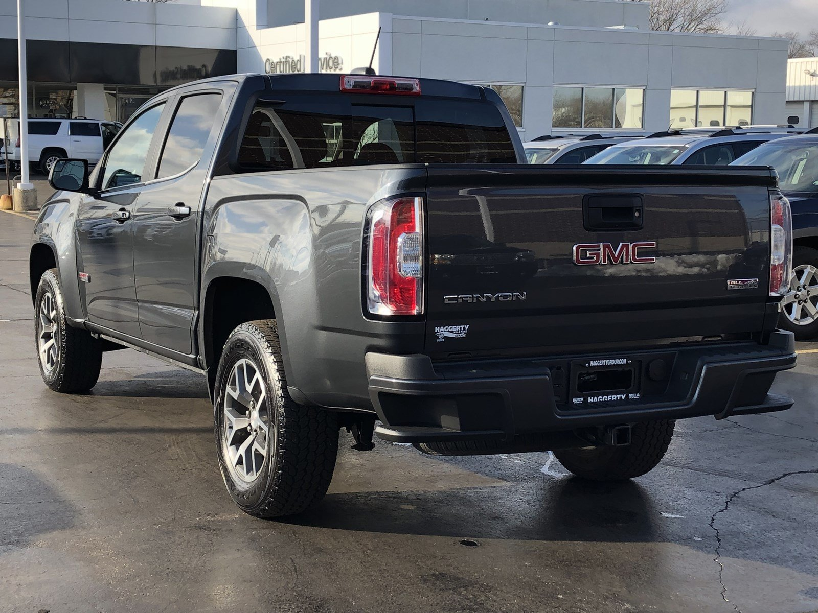 Certified Pre-Owned 2016 GMC Canyon 4WD SLE